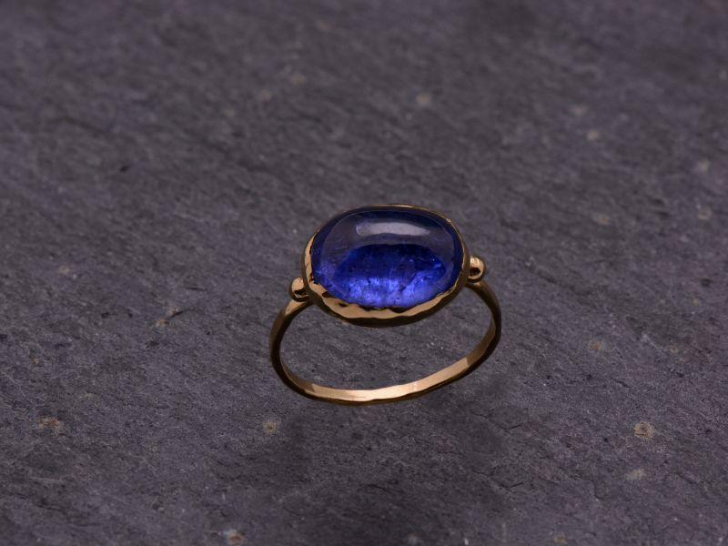 Bague Queen Brunehilde or jaune tanzanite 9x11mm