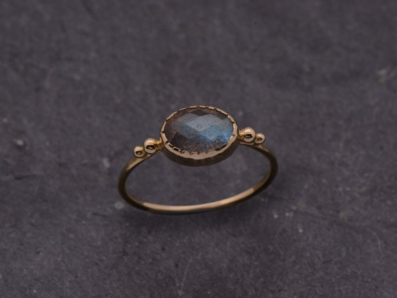 Bague Bérénice new or jaune labradorite grise