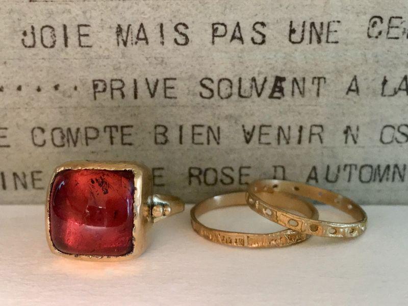 Bague Aphrodite or jaune tourmaline rose par Emmanuelle Zysman