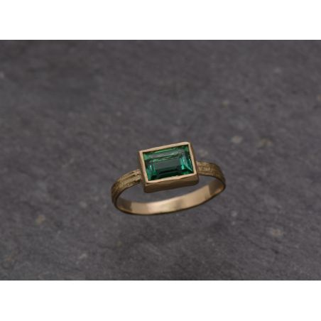 Melisande Sitia sticky cut tourmaline ring