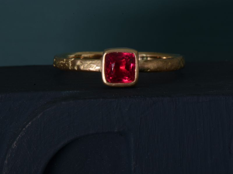 Melisande yellow gold red...