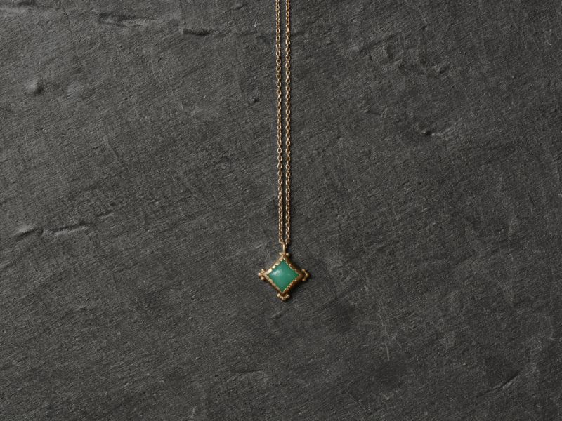 Enigma vermeil and chrysoprasus necklace by Emmanuelle Zysman