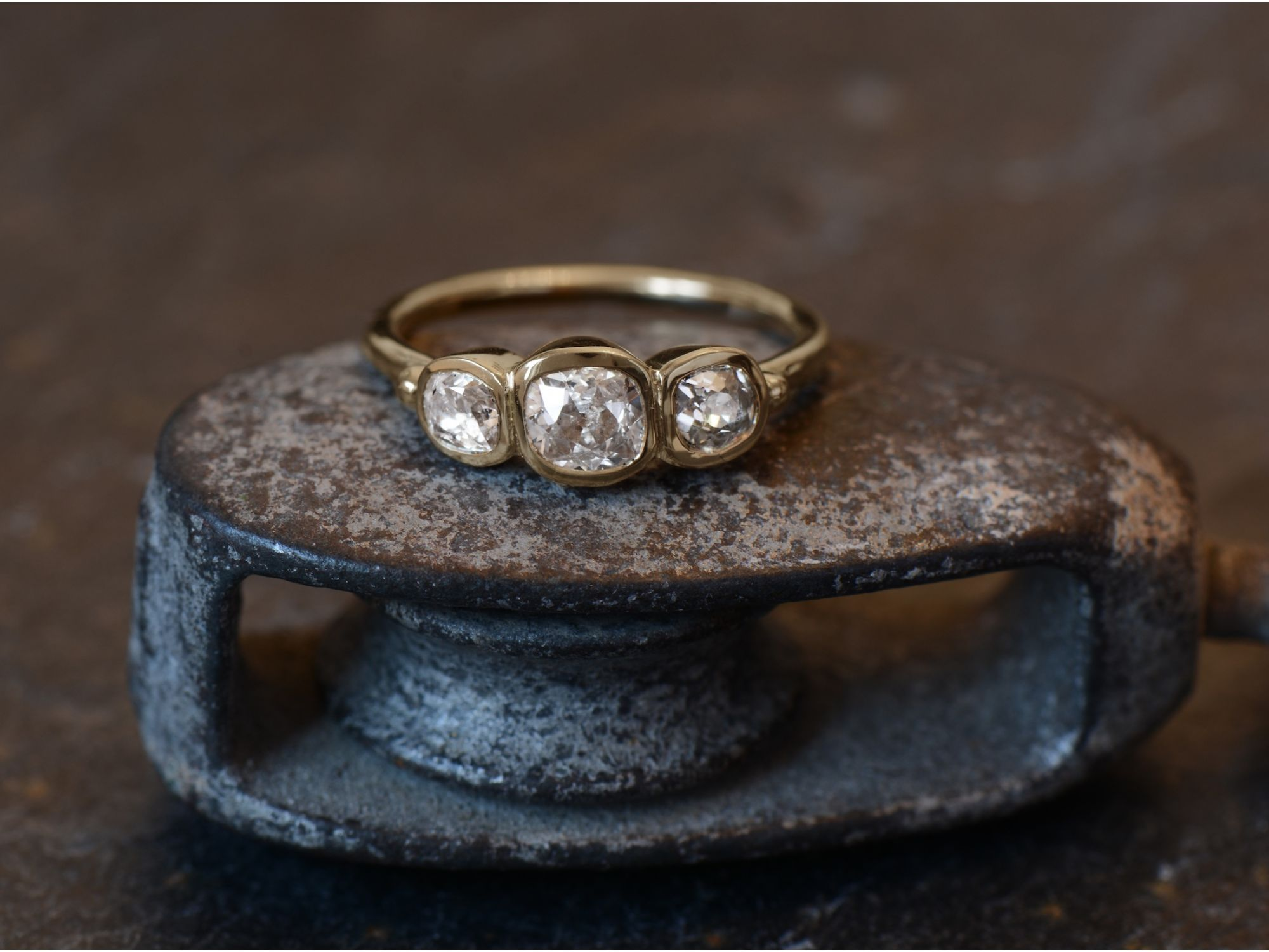 Bague or jaune diamants par Emmanuelle Zysman
