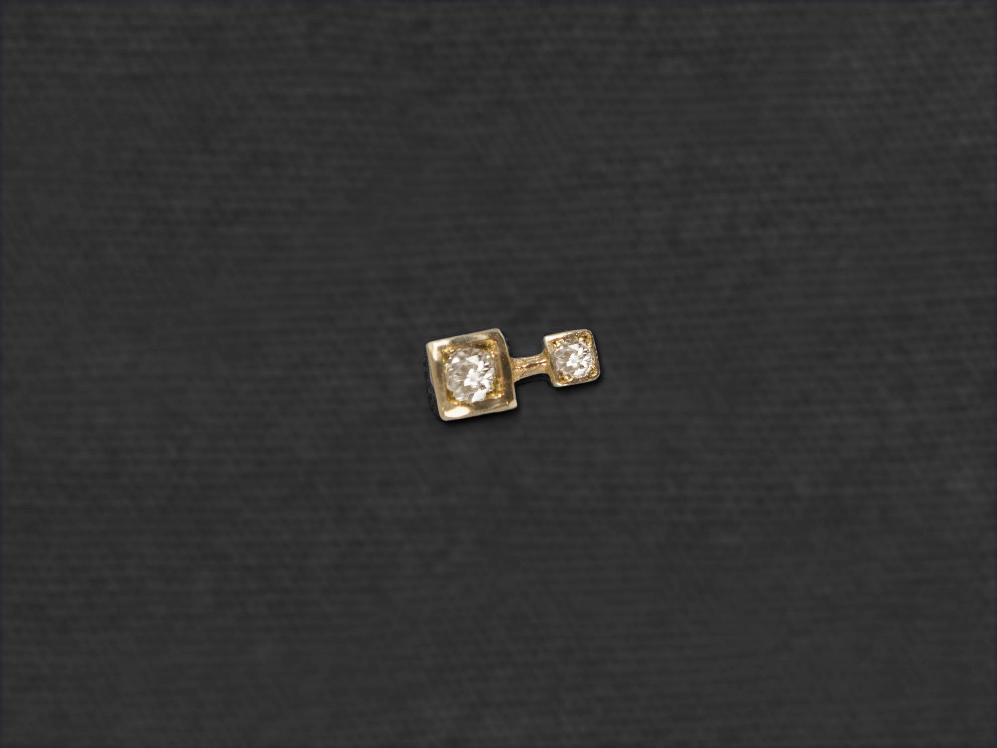 Andromede stud earring by Emmanuelle Zysman