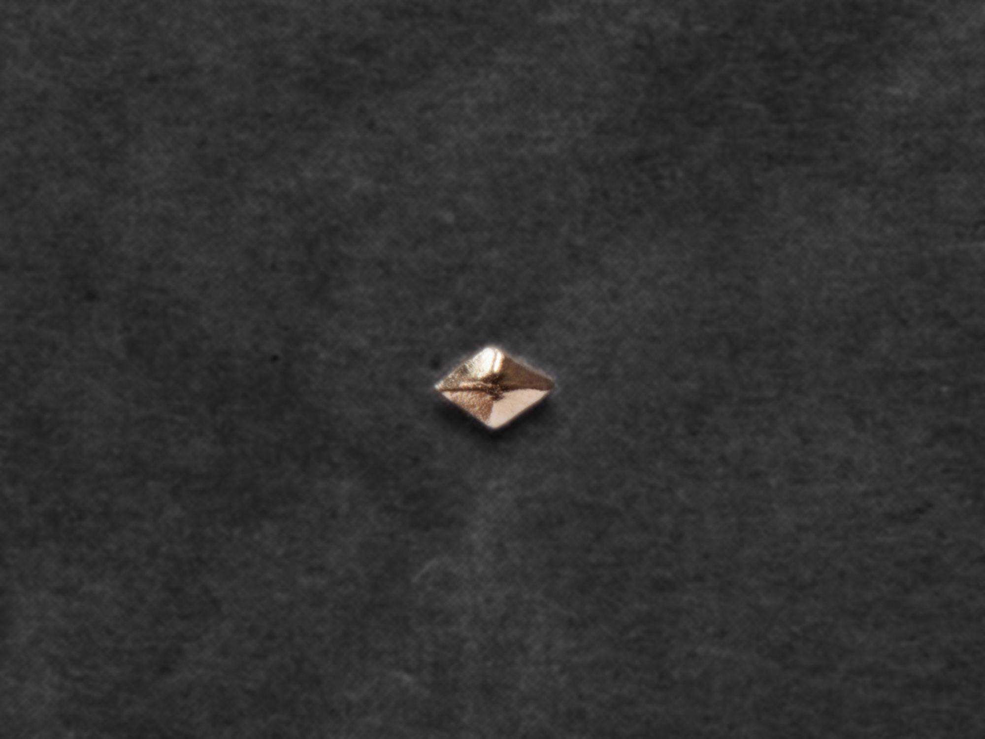 Sigrid mini-stud earring by Emmanuelle Zysman