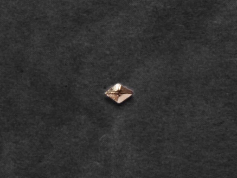 Mini-puce Sigrid vermeil par Emmanuelle Zysman