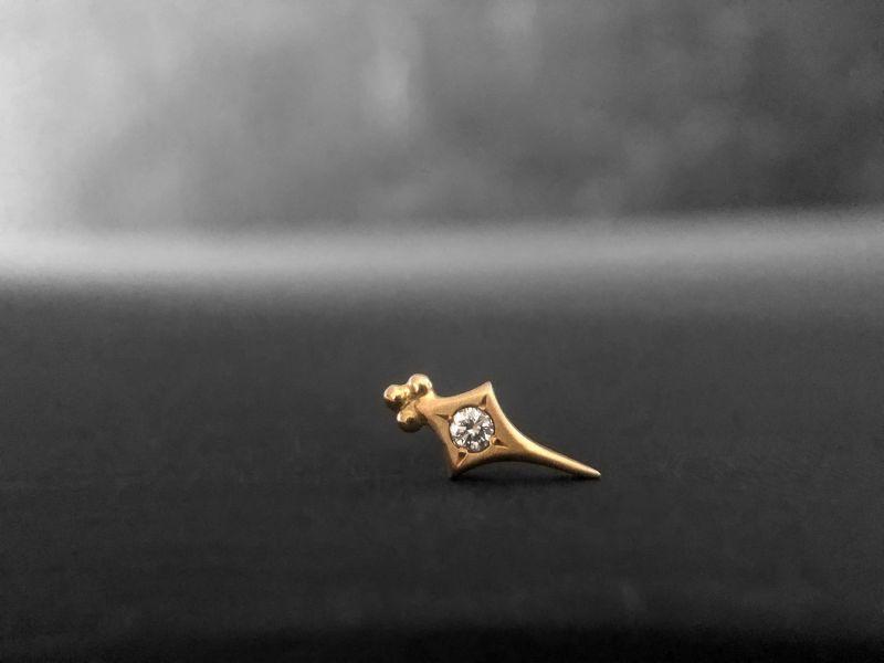 Puce Sword losange or jaune diamant par Emmanuelle Zysman