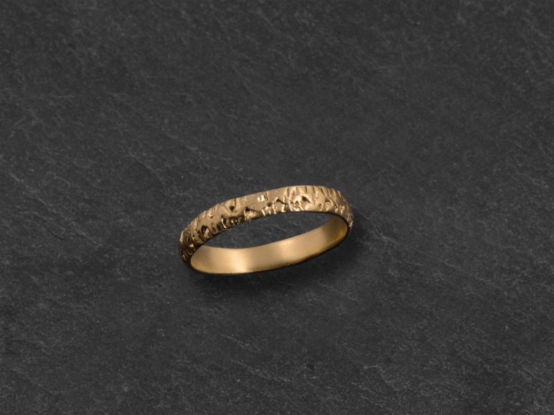 Naxos yellow gold ring by Emmanuelle Zysman