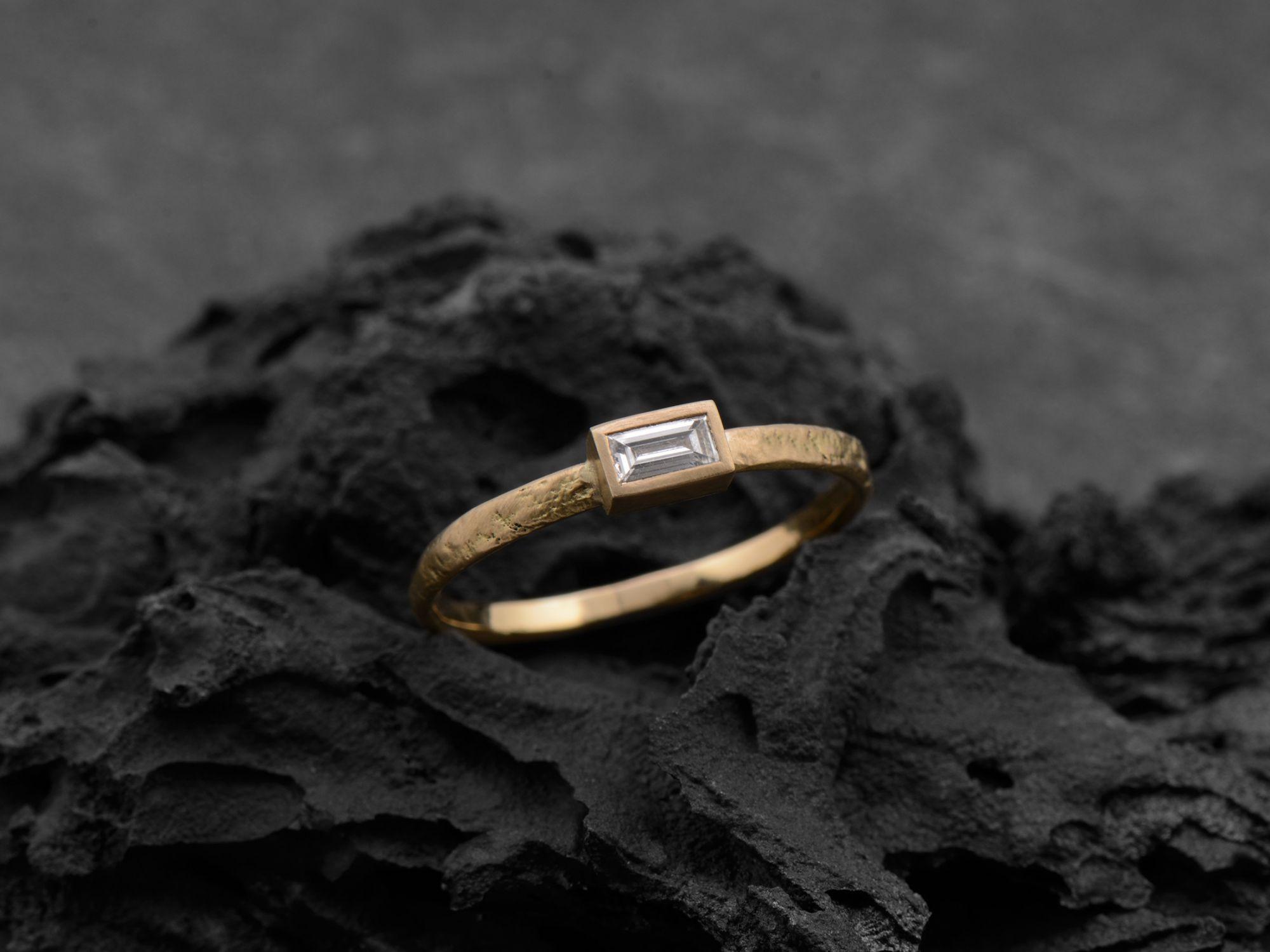 Bague Melisande diamant baguette par Emmanuelle Zysman