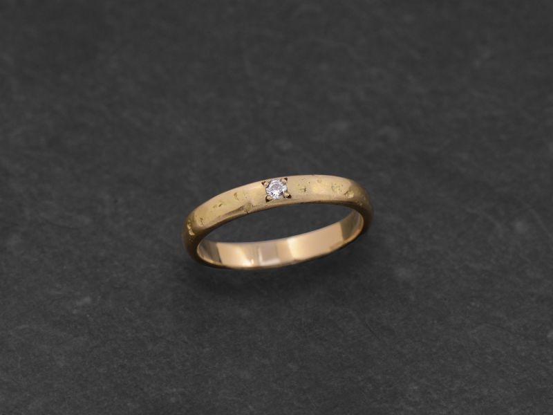 Lorelei white diamond stone hammered yellow gold ring by Emmanuelle Zysman