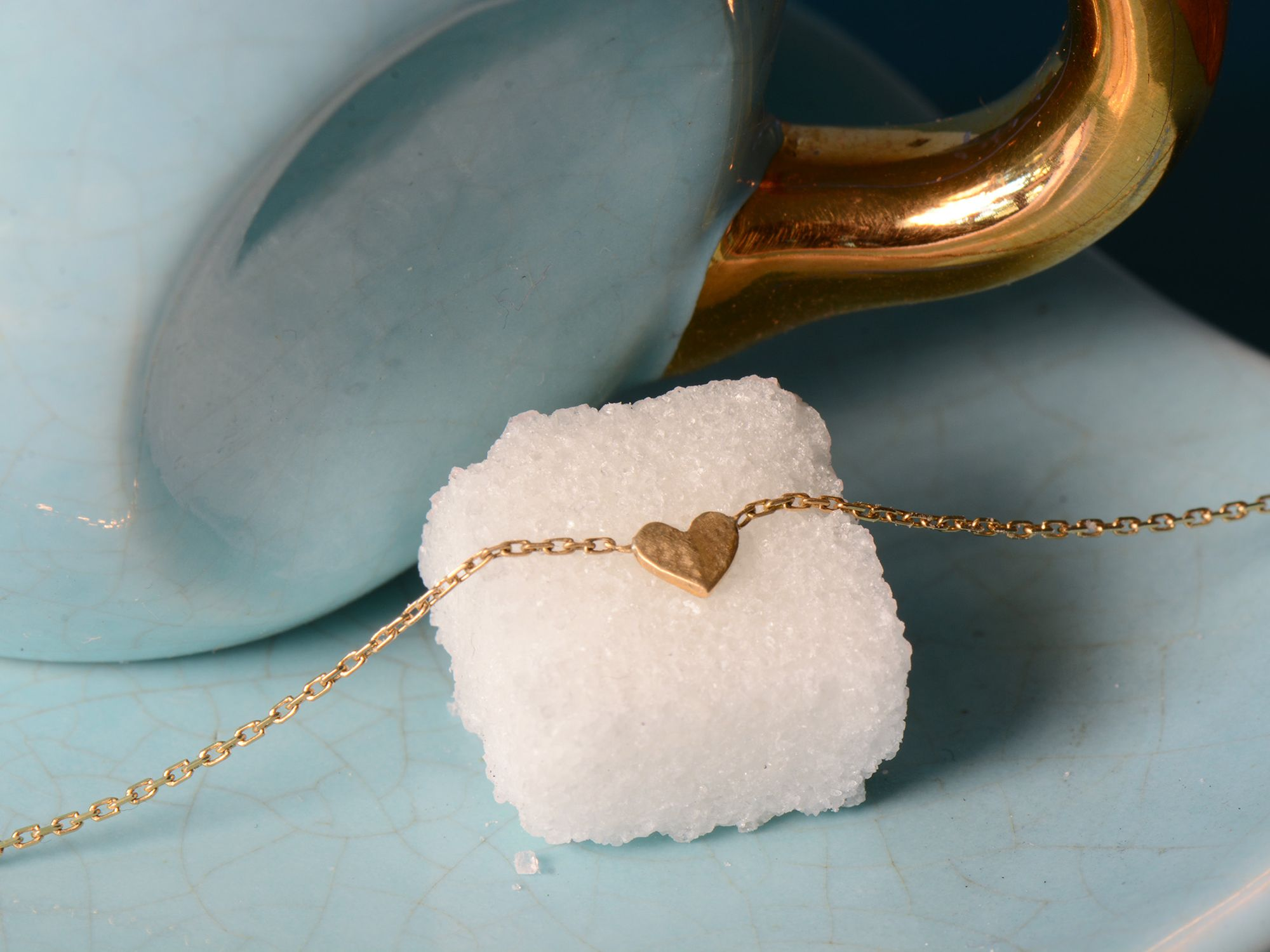 Sweetheart yellow gold necklace by Emmanuelle Zysman