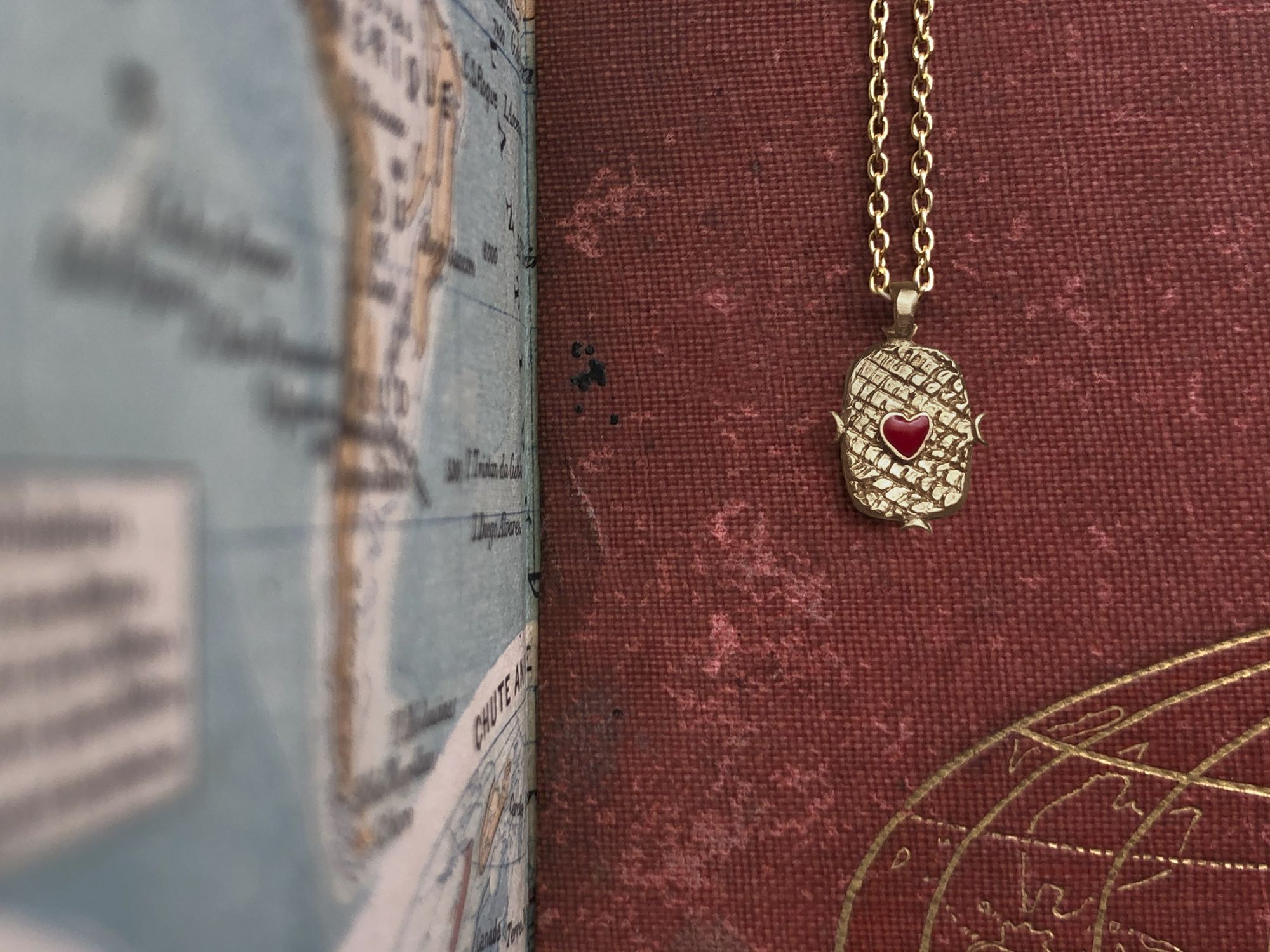 Yellow gold small Lancelot necklace by Emmanuelle Zysman