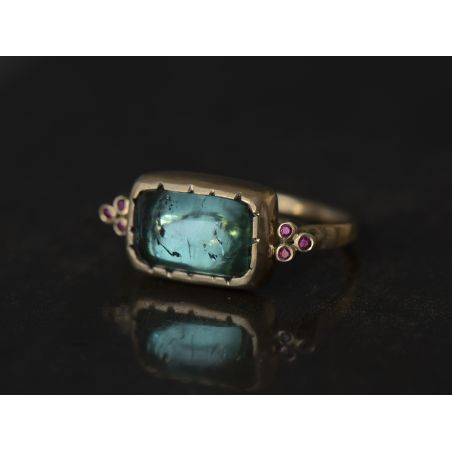 Ruby Queen yellow gold and 4,45cts green tourmaline ring by Emmanuelle Zysman