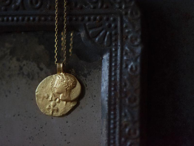Delphes vermeil necklace by Emmanuelle Zysman