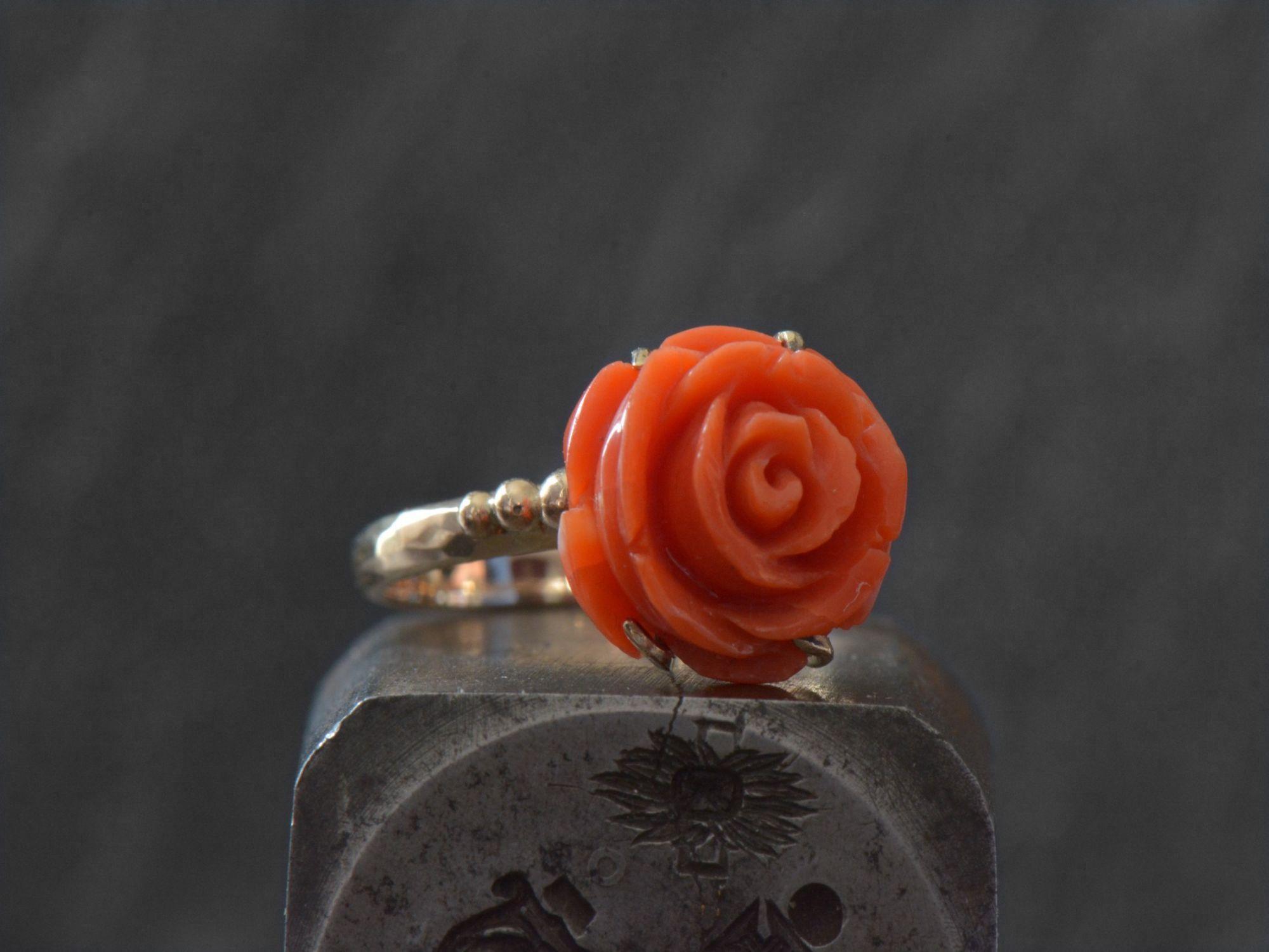 Bague Corail Rose or jaune 9cts par Emmanuelle Zysman