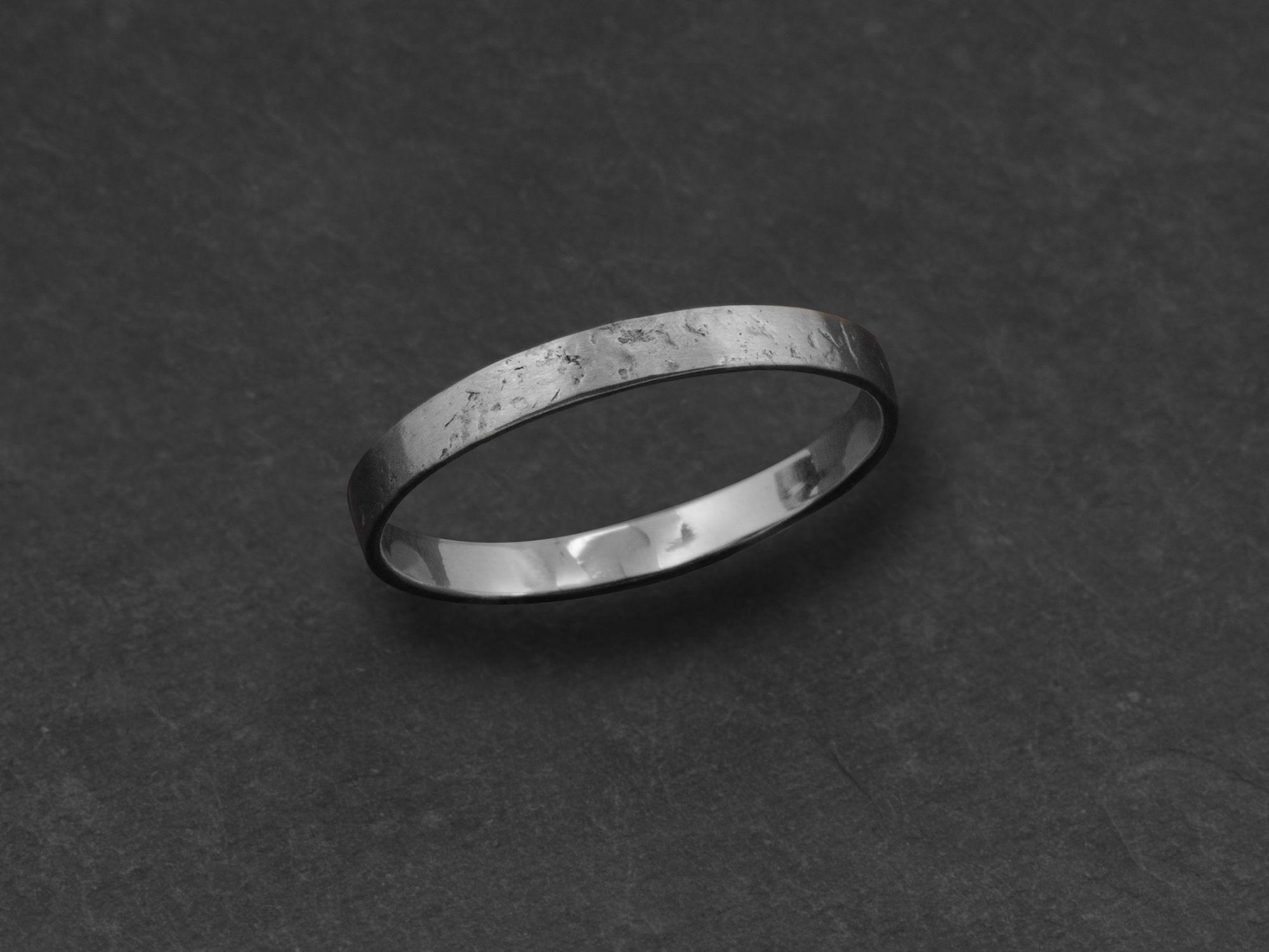 Mon Cheri 2.5 stone hammered white gold ring for men