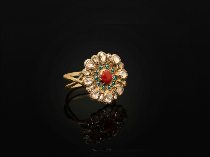 Bague Vesna Corail Diamants petit modèle par Emmanuelle Zysman