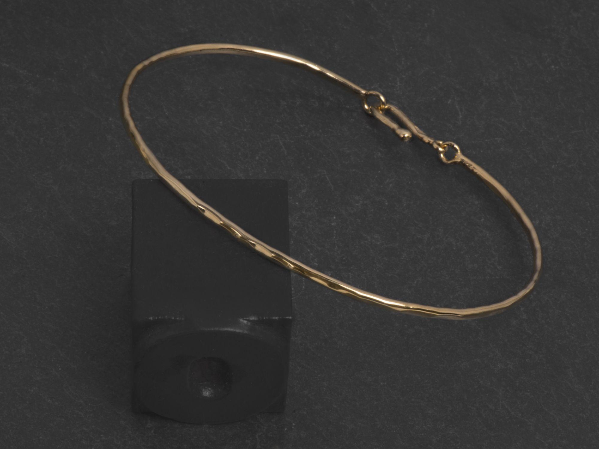 Bracelet Nude or jaune  par Emmanuelle Zysman