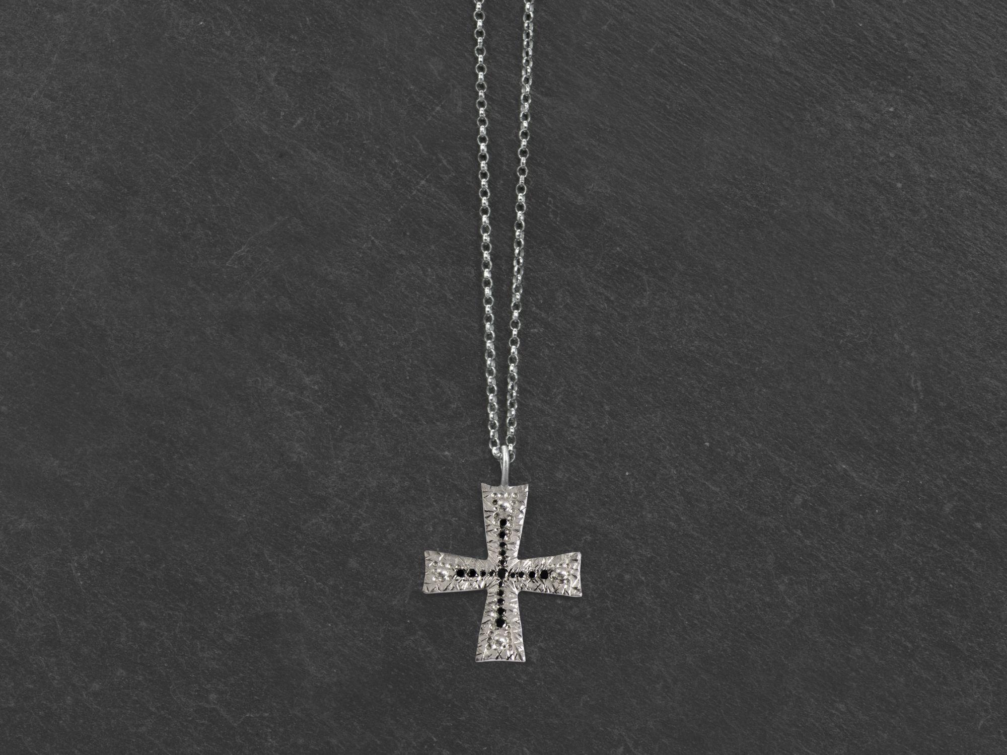 Collier Torcello argent rhodié diamants noirs homme