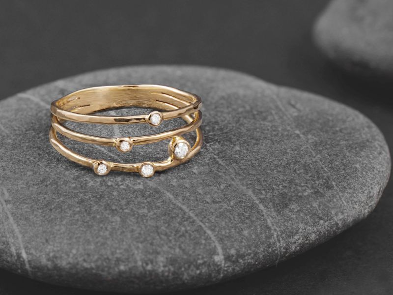 Cassiopee yellow gold ring by Emmanuelle Zysman
