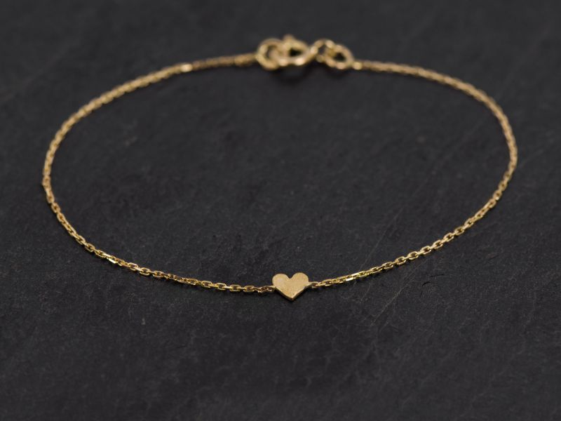 Sweetheart gold bracelets