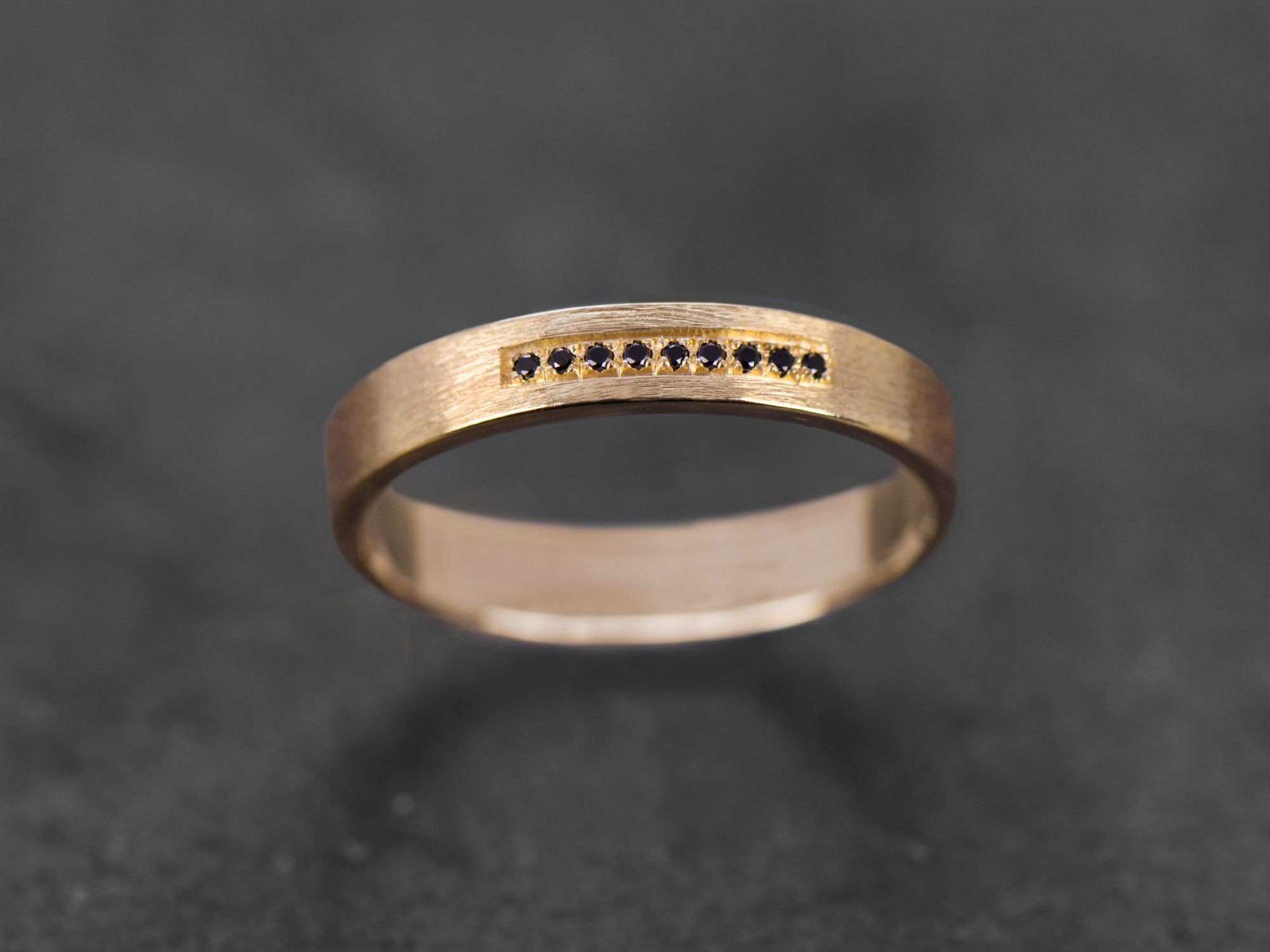 Bague Galatée or jaune diamants noirs