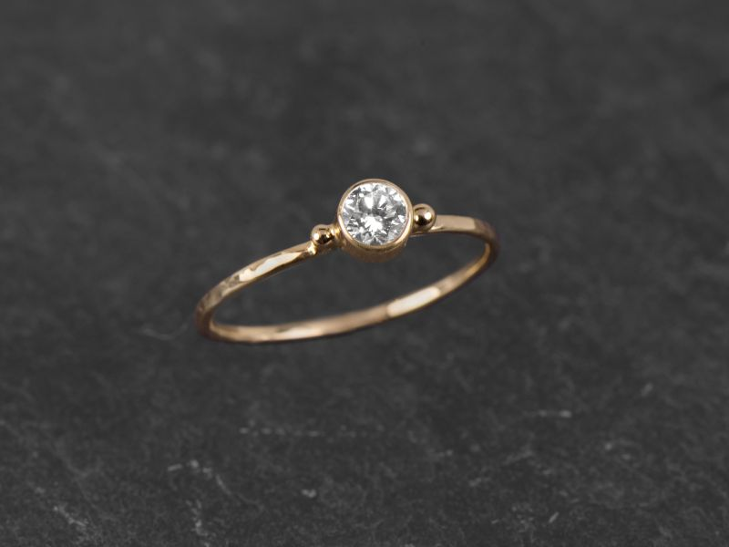 Eve yellow gold ring by Emmanuelle Zysman